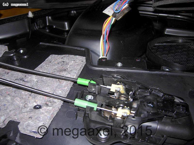 rear_door_cover_remove_07.jpg
